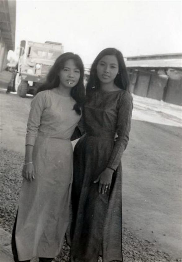 Co Tuyet And Co Du