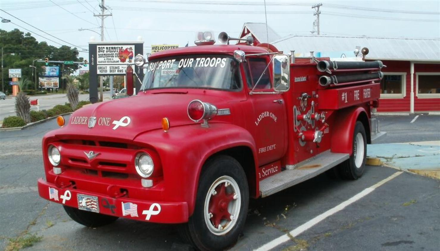 Support Our Troops Fire Truck - Photo courtesy of Tom & Vickie Reckers.