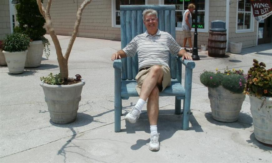 Tom taking a break. - Photo courtesy of Tom & Vickie Reckers.